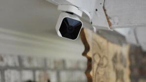 Revisión de Abode Cam 2: una cámara de seguridad económica y confiable