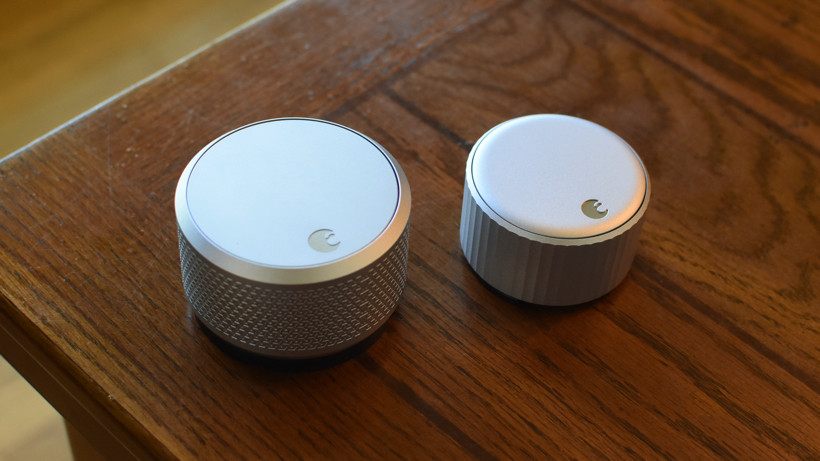 Comparación de tamaño de WiFi Smart Lock de agosto