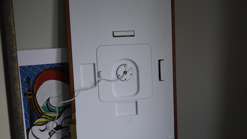 Cable y conexión Meural 2