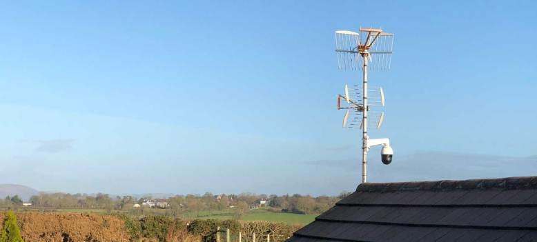 CCTV Hikvision PTZ montado en casa