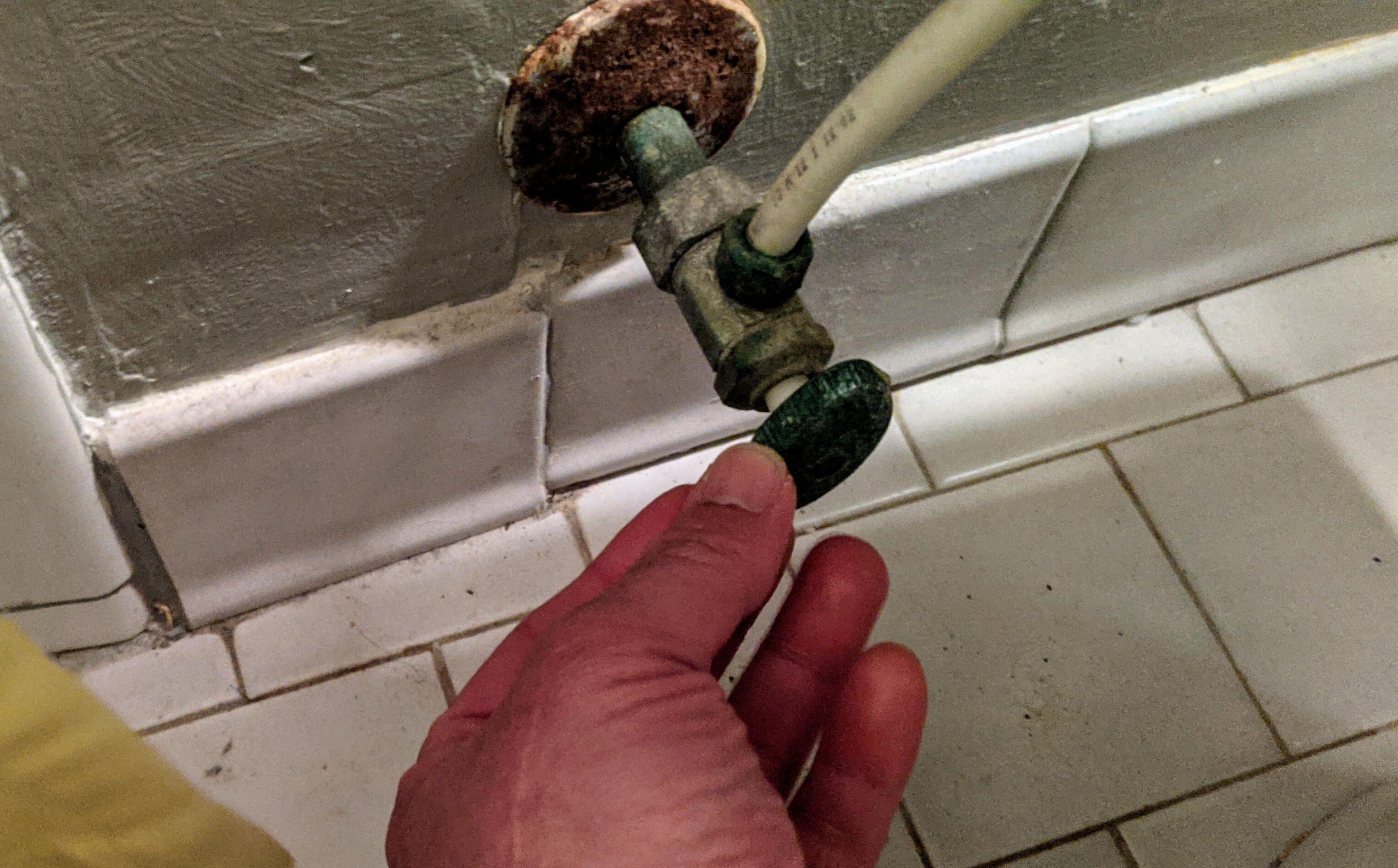 suministro de agua de inodoro