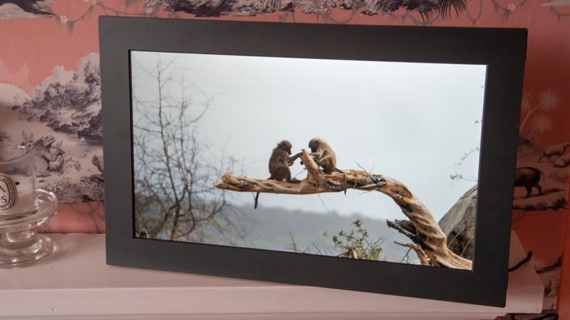 Marco de fotos WiFi Meural: arte inteligente que puede personalizar