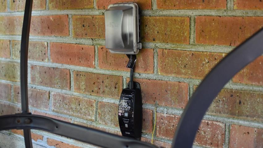 Revisión del enchufe inteligente para exteriores de Lutron Casà © ta: un enchufe confiable pero costoso