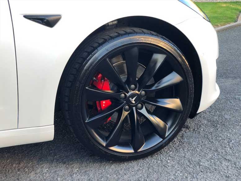 """20"""" Wheels on UK Tesla Model 3"""
