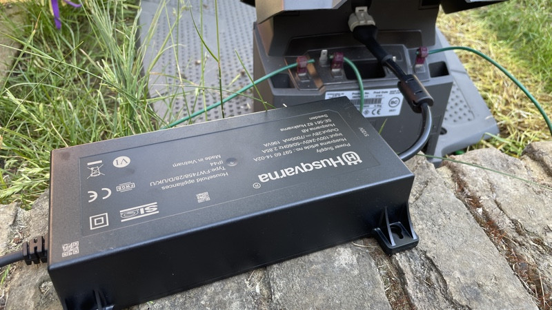 Revisión de Husqvarna Automower 450X: césped de lujo simplificado